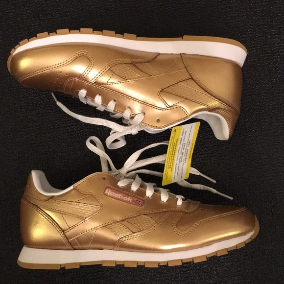 180e7e3e2c7 NEW Reebok Classic Metallic Gold Brass and White